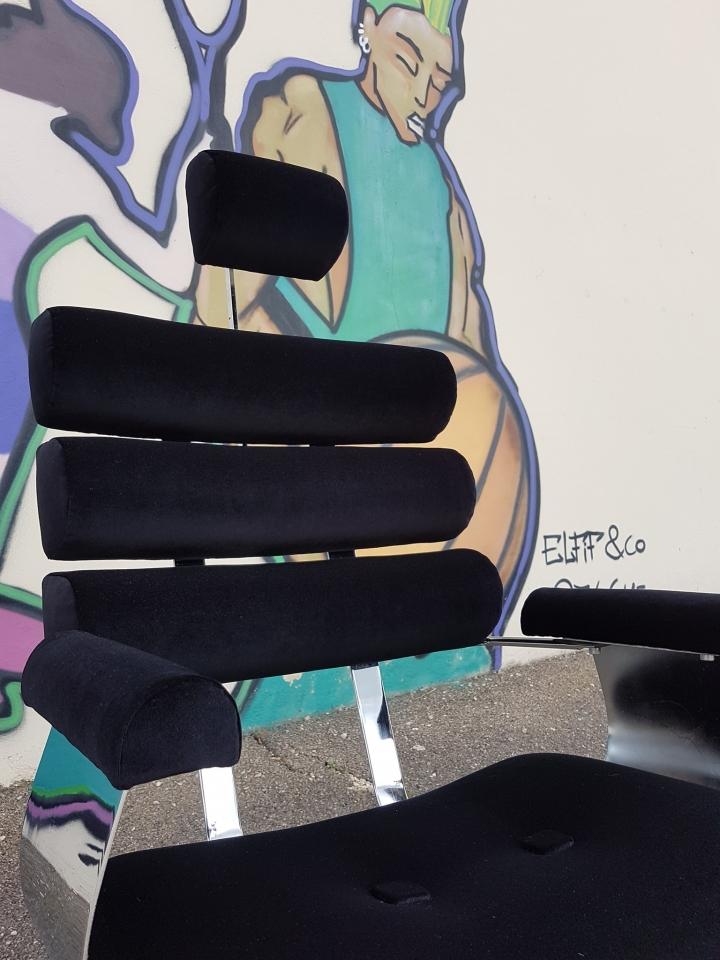 Fauteuil Belmont, modèle BESSB des années 70. #maillardtapissierdecorateur #fauteuildebarbier #anglure #belmont #seventies #ferechampenoise