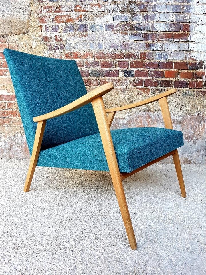 Paire de sièges années 50. Laine de chez Kvadrat. #ateliertapissiermaillard #vintage #maillard #kvadrat #lainevierge #anglure #champagneardenne