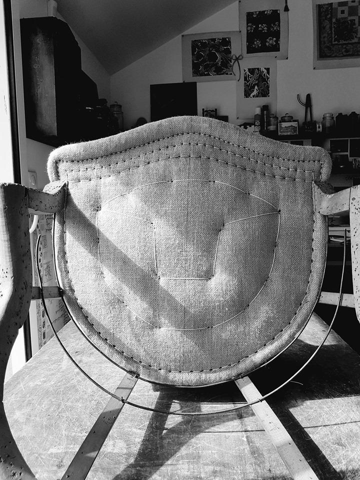 Assise d'un siège crapaud. Méthode traditionnelle. Atelier Maillard